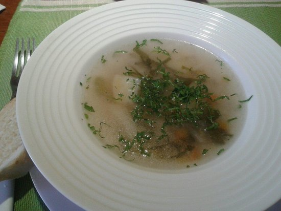 Cafe Restaurant El Tapado: La  sopa del menu de dia: consomé de trucha con arroz