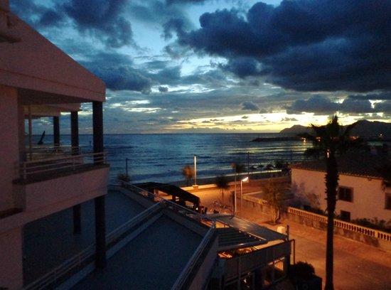 Ses Roquetes Apartamentos: Aftenstemning fra balkonen