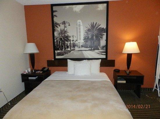 Super 8 Orlando International Drive: cama bem gostosa....