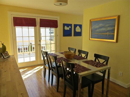 Atlantic Light Inn: Breakfast Room