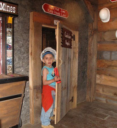 Polar Caves Park : The Klondike Mines