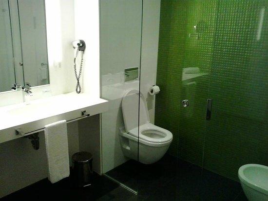 Hotel Enclave: Detalles del baño