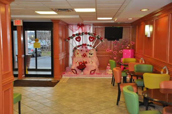 Comfort Inn & Suites Airport : Lobby