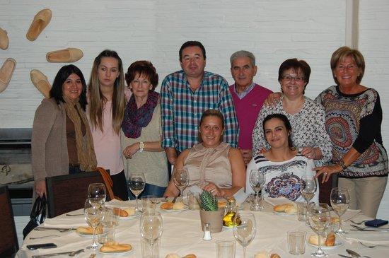 Restaurante Los arcos: alumnos del taller de cocina
