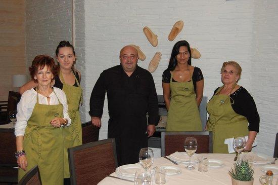 Restaurante Los arcos: Jefe de cocina y alumnos