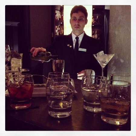 Baglioni Hotel London: Salvatore - wonderful barman!