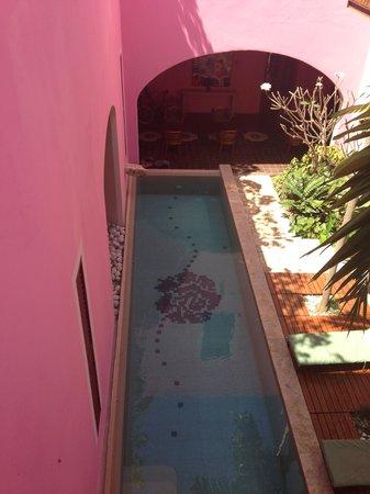 Rosas & Xocolate Boutique Hotel & Spa : alberca del hotel