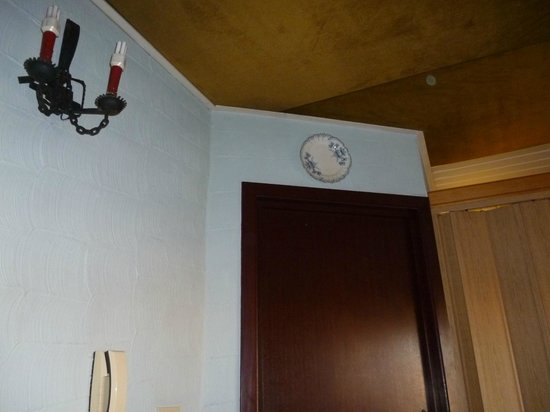 Hotel T Kasteeltje: Plafond van de kamer