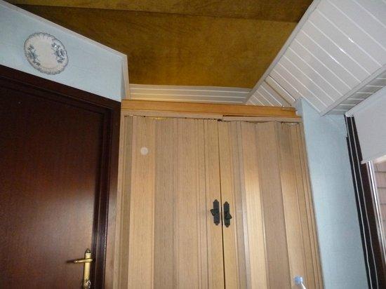 Hotel T Kasteeltje: De 'badkamerdeur'...