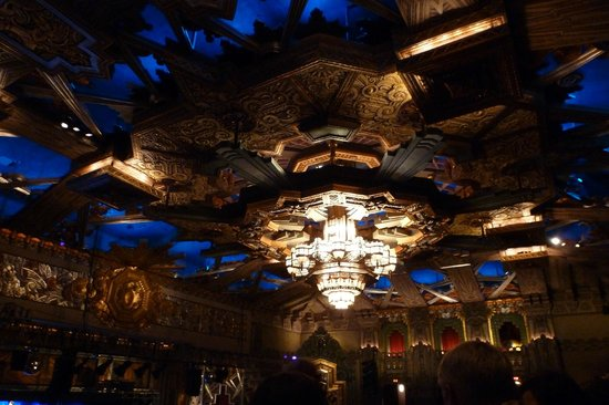 Pantages Theatre: ceiling
