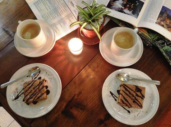 Trattoria y Pizzeria Ciao Italia: Cafe y pastel...mmm