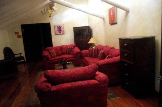 Andean Wings Boutique Hotel: Sala de estar
