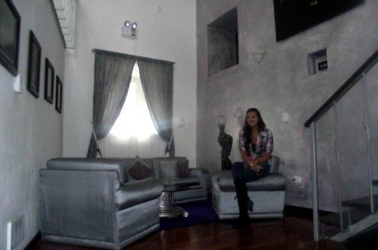 Andean Wings Boutique Hotel: Sala de la habitación