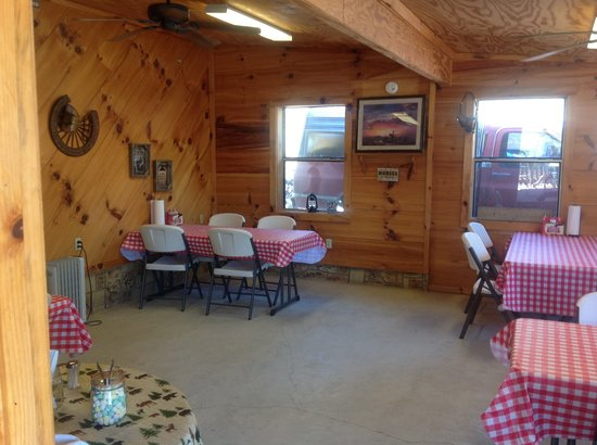 Deep South Smokehouse and Grill: Dine in, carry out and catering