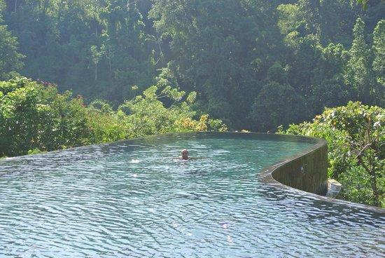 Hanging Gardens of Bali: the amazing pool