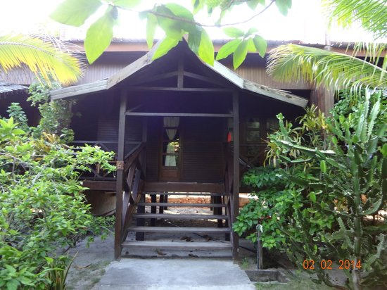 Scuba Junkie Mabul Beach Resort: Entrence to a cottage