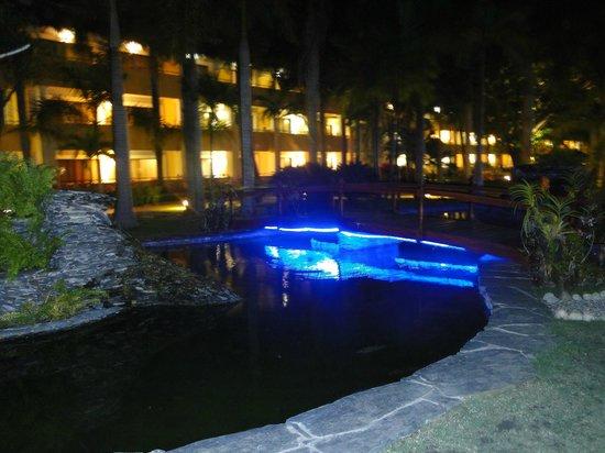 Iberostar Costa Dorada: Site vue de soir