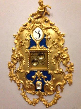 Grand Hotel Des Iles Borromees : Chiamata ascensore