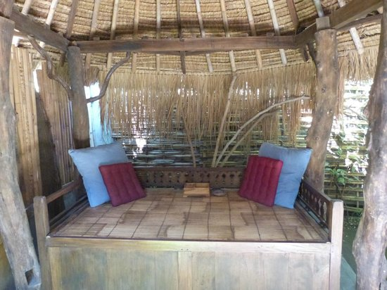 Gili Hideaway: Our relaxing spot next to the room