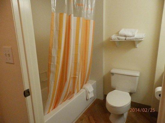 La Quinta Inn & Suites Ft Lauderdale Cypress Creek: banheiro reformado