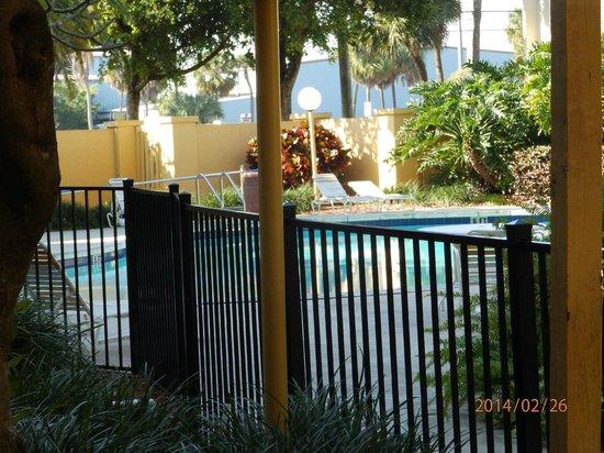 La Quinta Inn & Suites Ft Lauderdale Cypress Creek: piscina