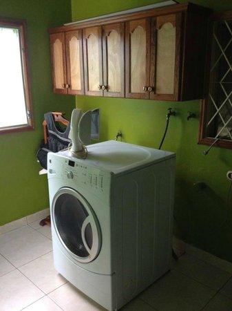 Hostal Quinta Johana: Laundry Room