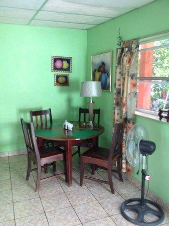 Hostal Quinta Johana: Dining Area