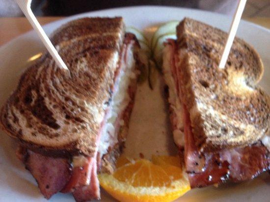 Five Loaves Cafe: Reuben