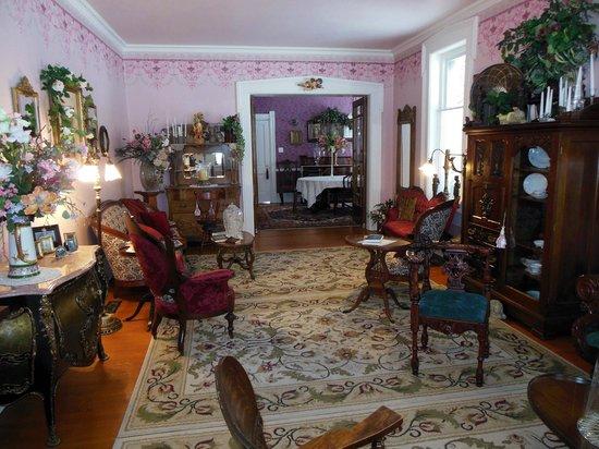 Baert Baron Mansion: Living Room toward Dining Room