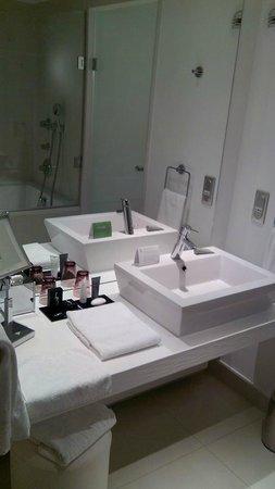 Hôtel Barrière Lille : la salle de bains