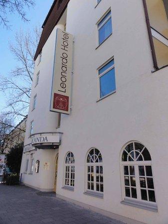 Leonardo Hotel & Residence München: Fachada Lateral do Hotel