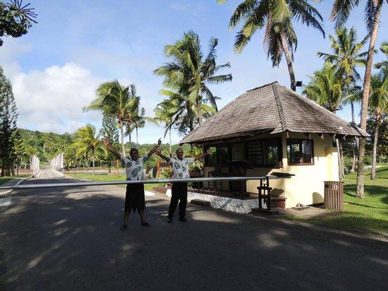 Shangri-La's Fijian Resort & Spa: Bula from the Boom Gate