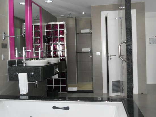 Hotel Riu Palace Jamaica: bathroom