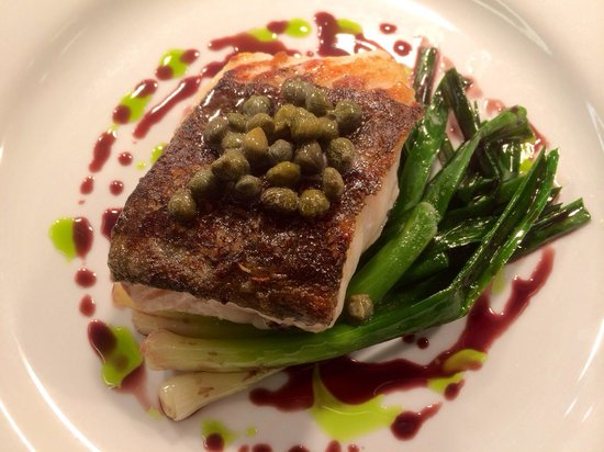 Glassboat : Cod and red wine