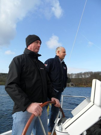 Bowness-on-Windermere, UK: Jim taking the helm.