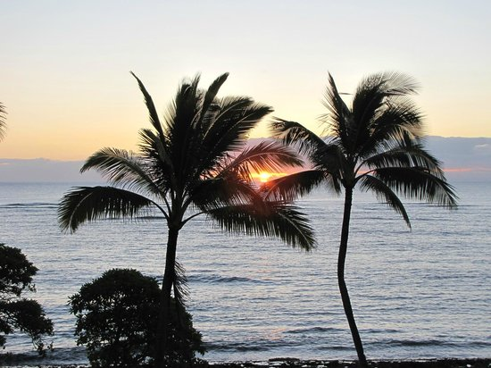 WorldMark at Kapaa Shores : Sunrise directly in front of our lanai
