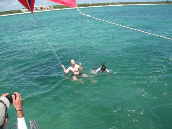 Maroma Adventures: A little help getting in the swing