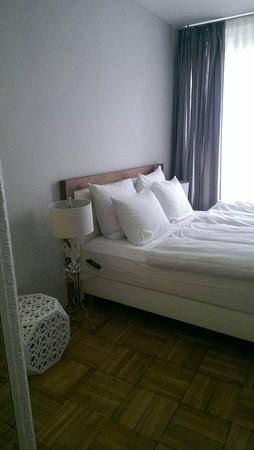 Select Falk Suite Hotel : Schlafzimmer 1