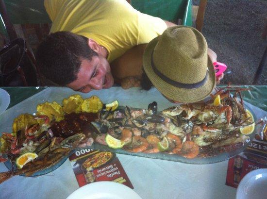 MARISQUERIA CORCOVADO: Mariscada Gigante