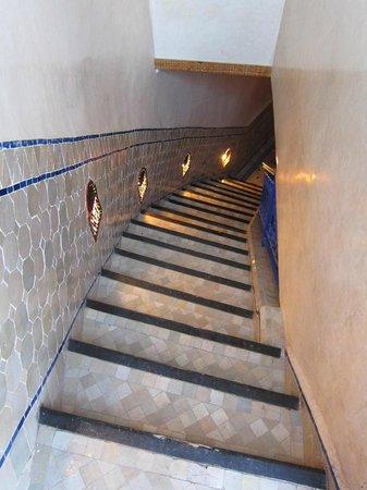 Riad Kenzo : Escaliers entre 1er étage et terrasse