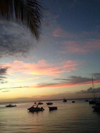 Paradis Beachcomber Golf Resort & Spa : sunset
