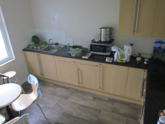 Saucy Marys Lodge : Kitchen area