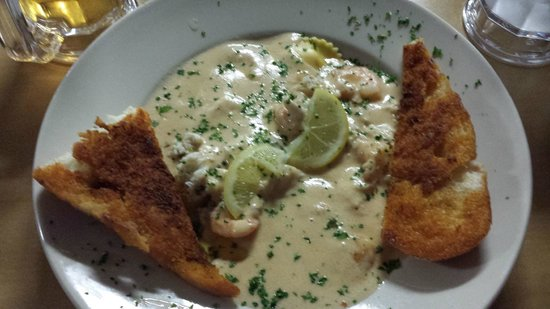 JD's Seafood Restaurant: Lobster Ravioli