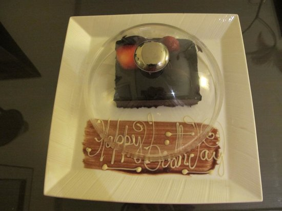The Oberoi, Mumbai : Birthday Cake by oberoi