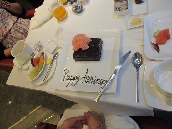 The Oberoi, Mumbai : Cake