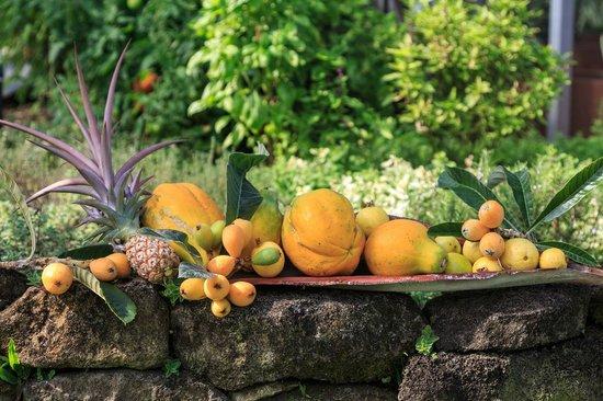 Holualoa Inn: Fresh Produce from the Gardens