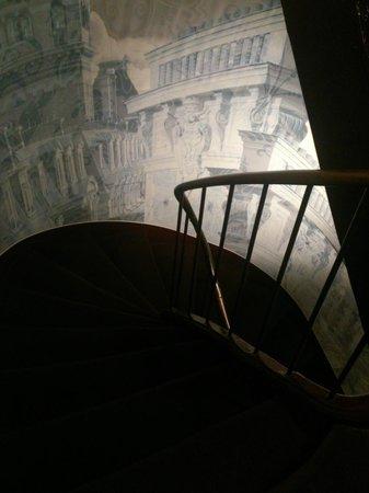 Hotel Design Sorbonne : escalier