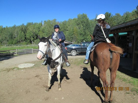 Couples Resort: Horseback riding 2 for 1
