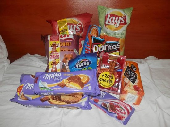 Ivana Palace Hotel: Snacks from the shop!