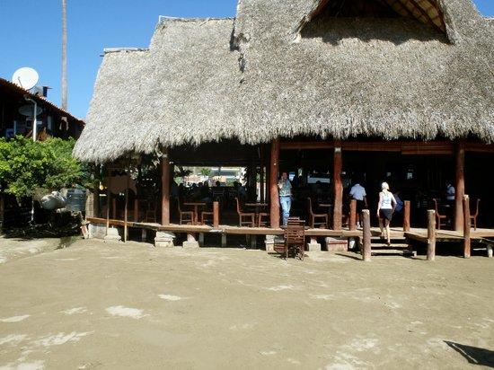 El Timon : entering restaurant from beach